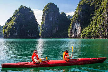 Top 10 things to see and do in Halong Bay