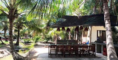 4 homestays with typical Mekong Delta style