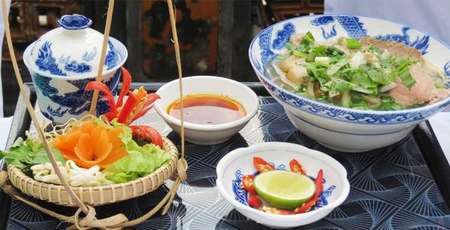 7 famous foods in Hue