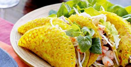 "Banh xeo - the ""sizzling pancake"" in the South and the Centre of Vietnam"