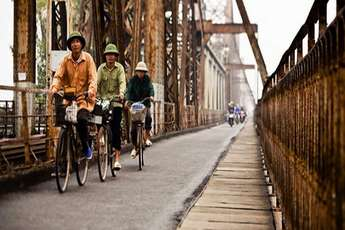 The Long Bien Bridge: a true icon of Hanoi