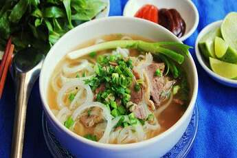 Where to go to eat Pho in Hanoi?