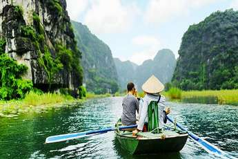 Tam Coc and its unique floating market