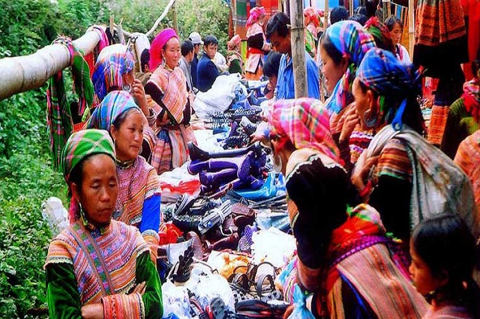 Bac Ha ethnic market, under the sign of authenticity