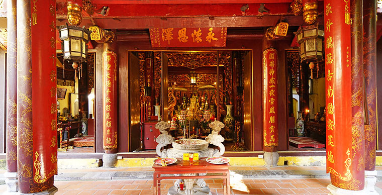 Bach Ma Temple: the oldest in Hanoi's old quarter