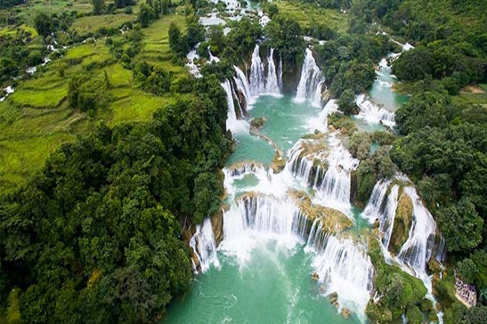 Ban Gioc waterfall from every angle in autumn