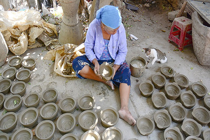 Bat Trang Ceramics Village