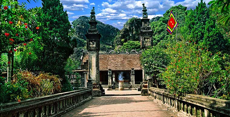 King Dinh and Le Temples in Ninh Binh
