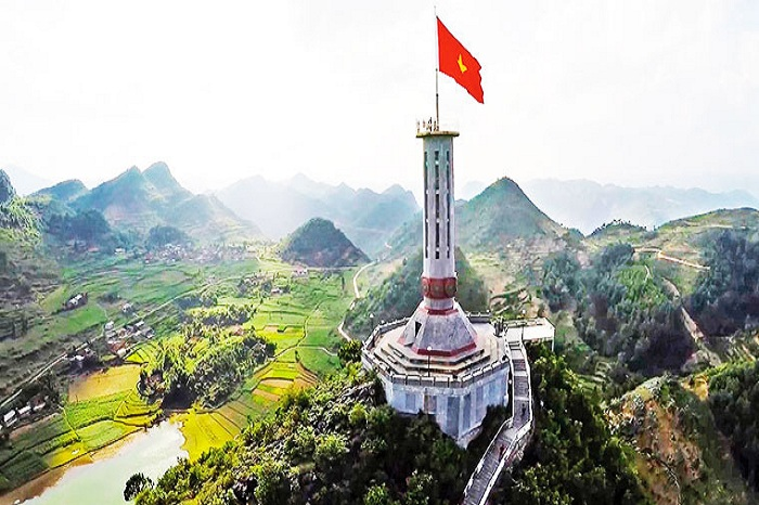 Lung Cu flag tower, a sacred national symbol in Ha Giang