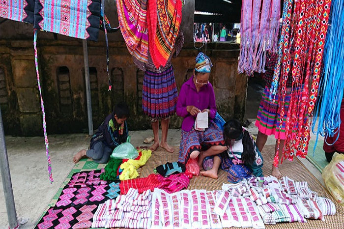 The Hmong Pa Co market in Mai Chau