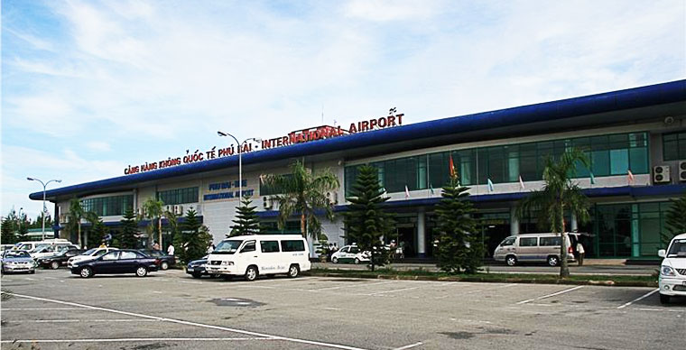 How to transfer from Hue Airport to downtown and back