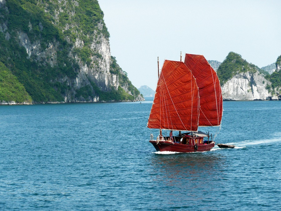 A trip to Halong Bay in 1, 2 or 3 days - What to see and do?