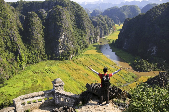 10 must sees in Ninh Binh dance cave