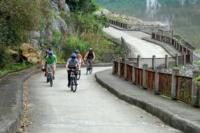 10 things to do in Cat Ba island cycling