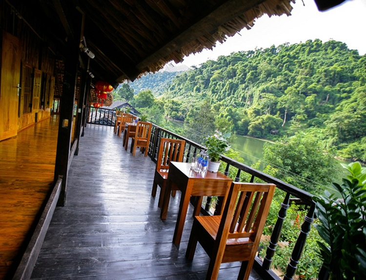3 day trip in ba be lake homestay