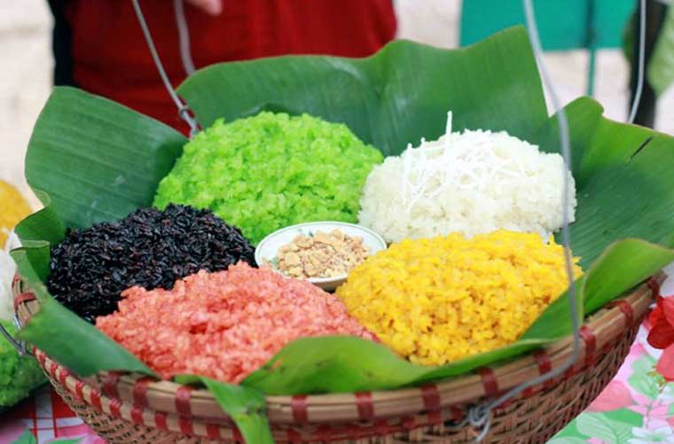 5 special dishes in Mai Chau five color sticky rice