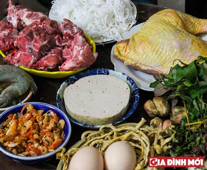 Bun thang culinary speciality of Hanoi ingredients