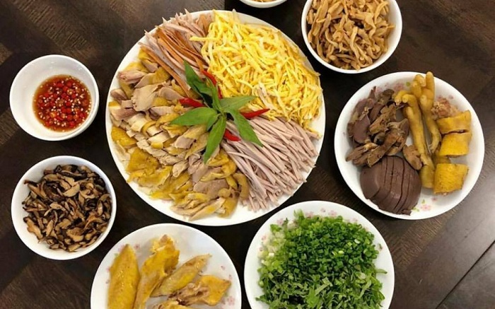 Bun thang culinary speciality of Hanoi preparation
