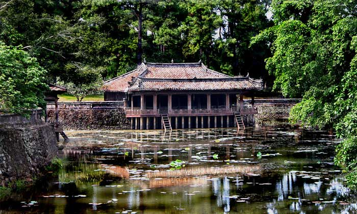 Imperial City of Hue tu duc tomb