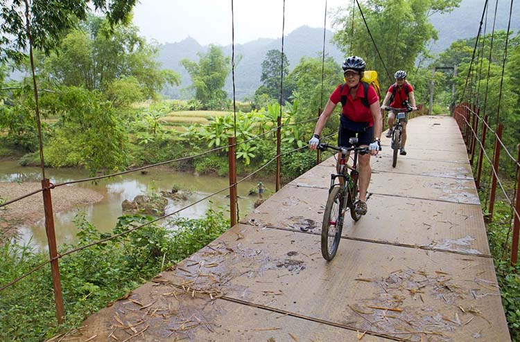 Mai Chau bicycling