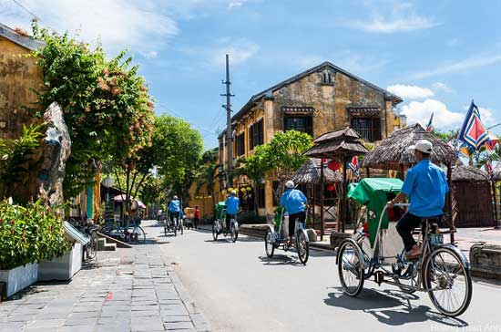 Trip to and Cambodia, tips to avoid travel traps cyclo