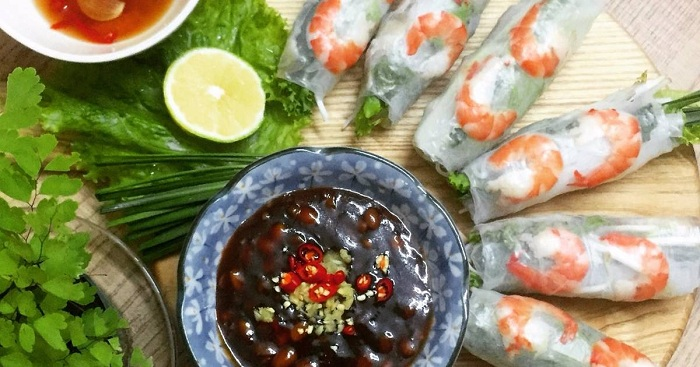 Vietnamese spring roll soy sauce