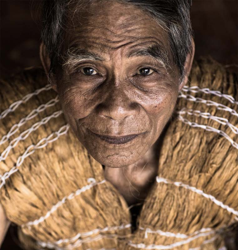 Vietnamese through the eyes of a French Co Tu tribe