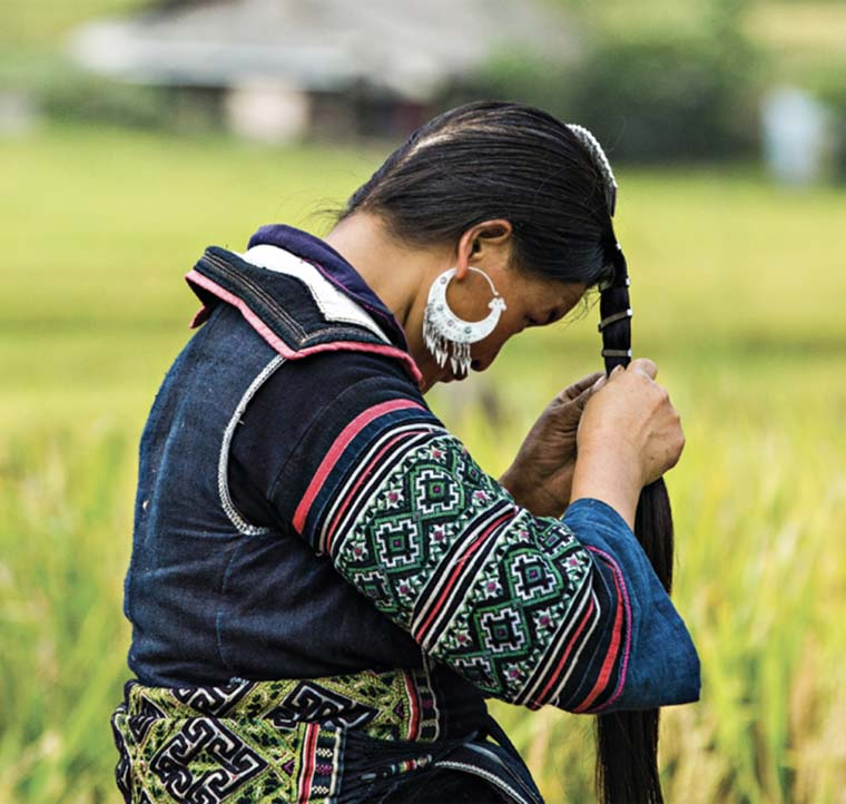 Vietnamese through the eyes of a French Hmong Ethnic group
