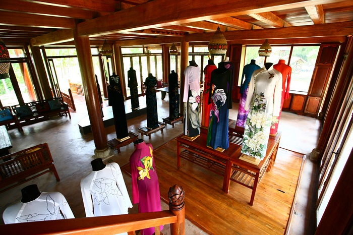 ao dai museum collections