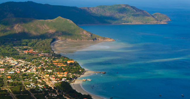 beautiful-beach-vietnam-con-dao