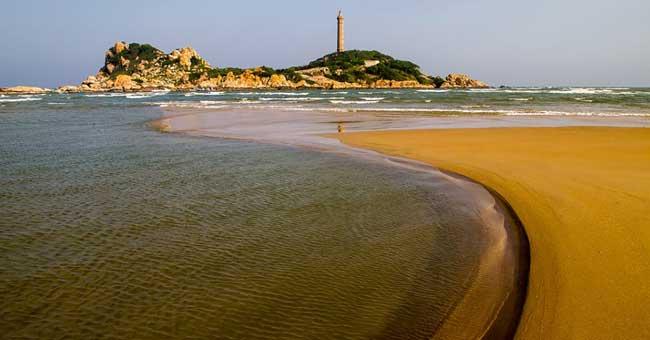beautiful-beach-vietnam-mui-ne