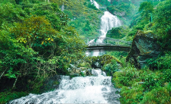 beautiful-waterfalls-in-sapa-vietnam-silver-waterfall