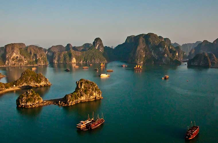 best place to visit in Vietnam in April Ha Long bay