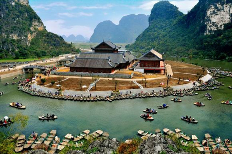 best place to visit in Vietnam in April Ninh Binh