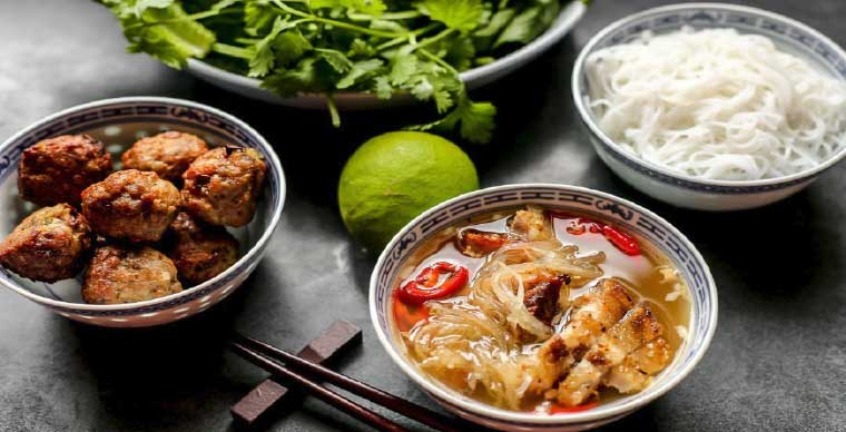 bun-cha-must-try-cuisine-in-hanoi