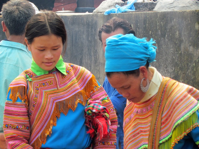 coc ly bac ha hmong women