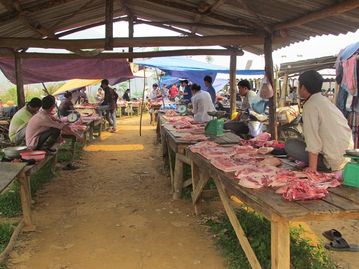 coc ly bac ha meat stand
