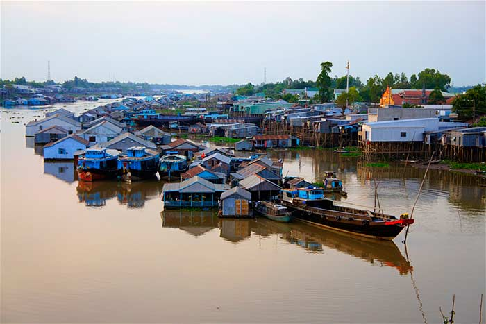 cruise on mekong delta on 2 3 4 or 5 days floating village
