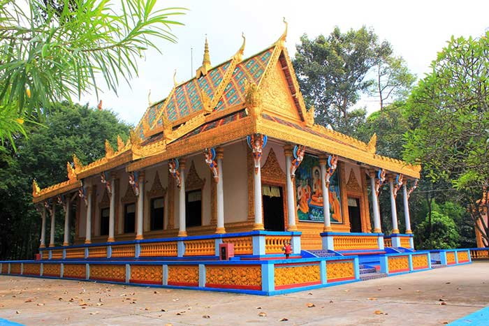 cruise on mekong delta on 2 3 4 or 5 days soc trang pagoda