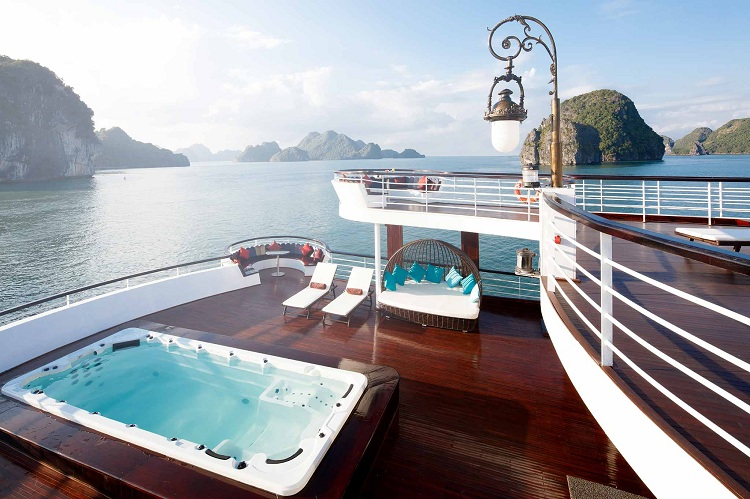 cruise over night on halong bay luxury boat