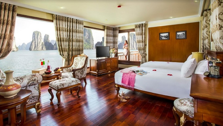cruise over night on halong bay luxury room