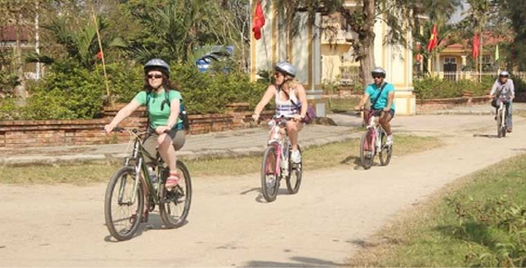 cycling-tour-in-hue-city