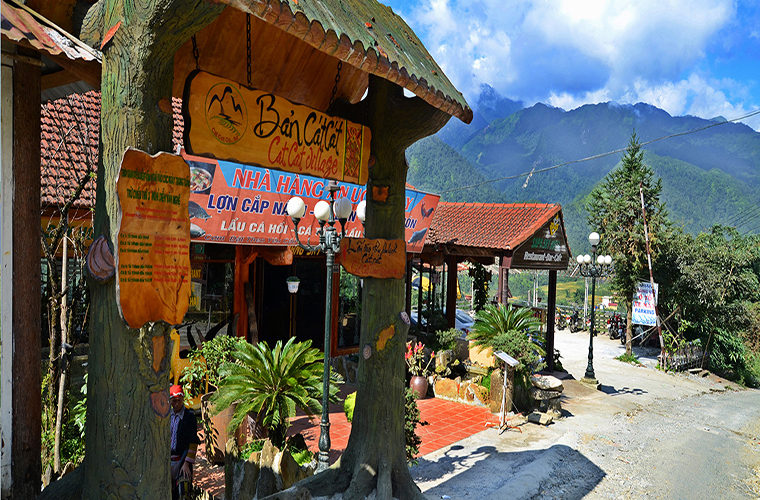 discover-the-beauty-of-Cat Cat-village-Sapa-Vietnam-homestay.jpg