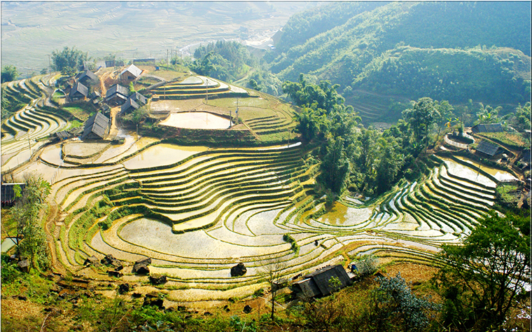 discover-the-beauty-of-Cat Cat-village-Sapa-Vietnam-view.jpg