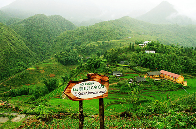 discover-the-beauty-of-Cat Cat-village-Sapa-Vietnam-way-to-cat-cat-village.jpg