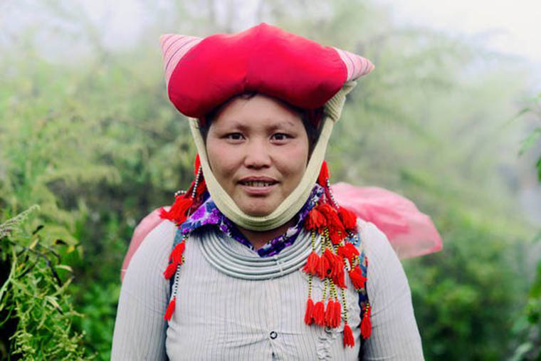 ethnic-groups-in-sapa-vietnam-red-dzao