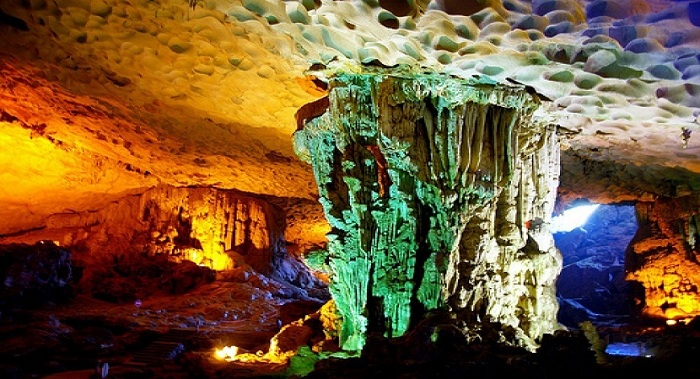 excursion in halong bay celestial palace cave