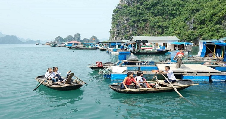 fishing villages halong bay go to school