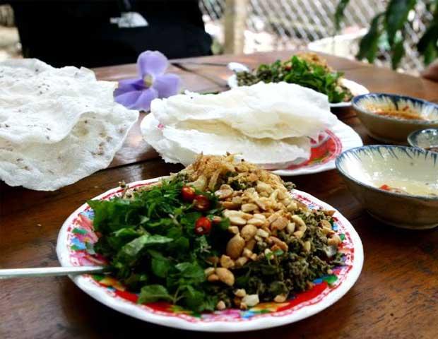 gastronomy-hoi-an-banh-dap-hen-xao