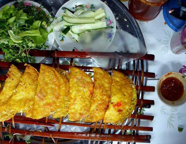 gastronomy-hoi-an-banh-xeo